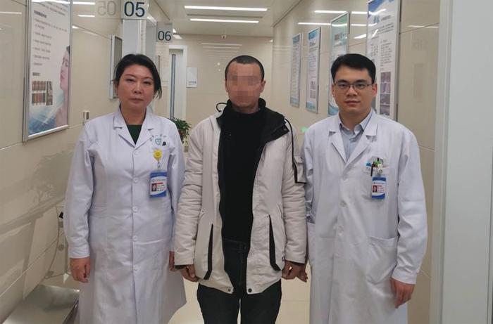 郑州大学第一附属医院完成首例3D打印辅助的半耳廓再造插图